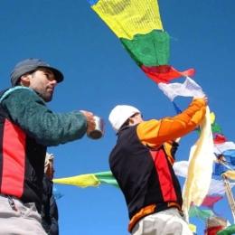 Cerimonia Puja no acampamento base do Shishapangma | Tibete